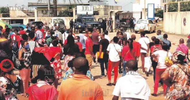Un rassemblement de syndicalistes gabonais violemment réprimé par la police
