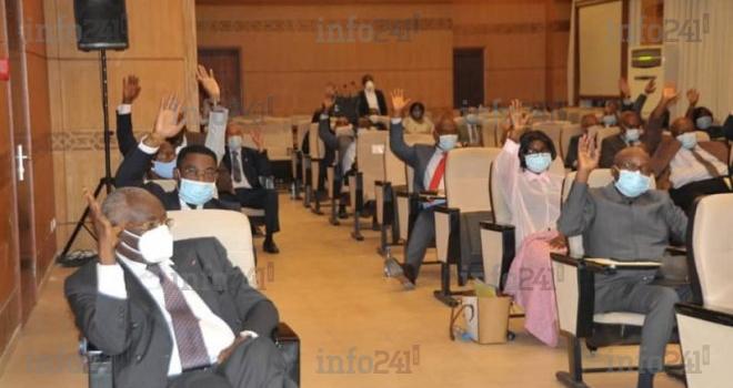 Etat d'urgence bis: le Sénat gabonais adopte aussi la loi voulue par le gouvernement
